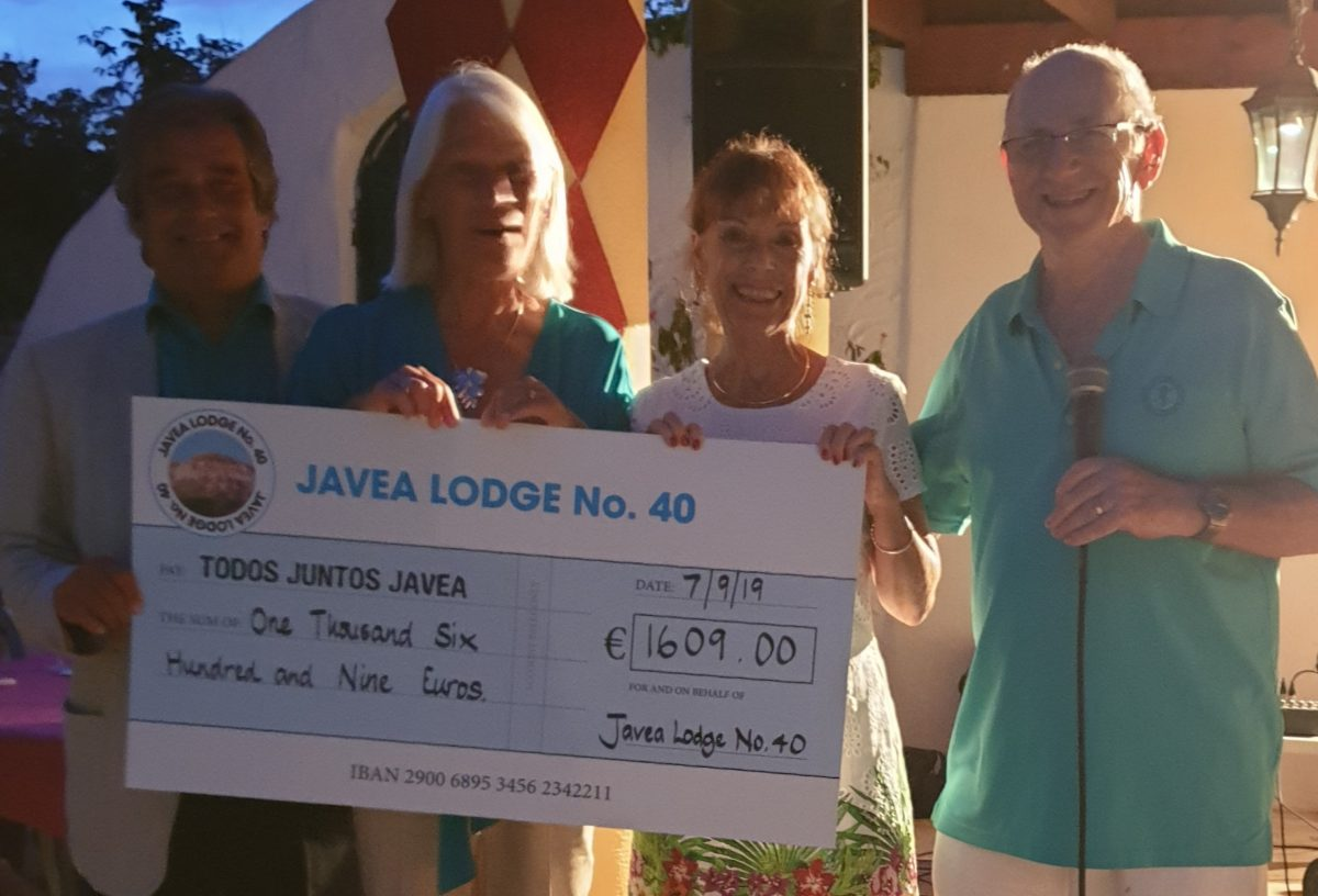 Javea 40 hold summer party and hog roast in aid of charity