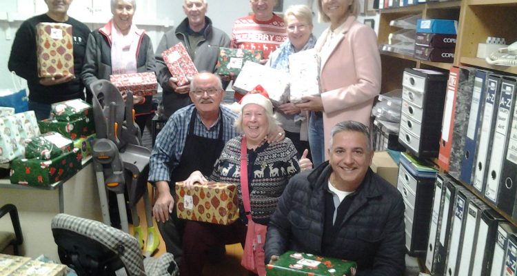 Local Freemasons collect for children's charity.
